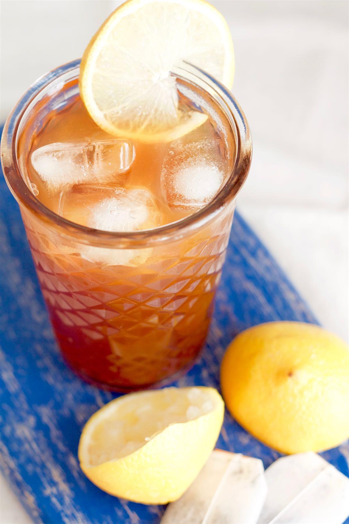 Homemade Lemon Iced Tea | SpoonfulOfButter.com