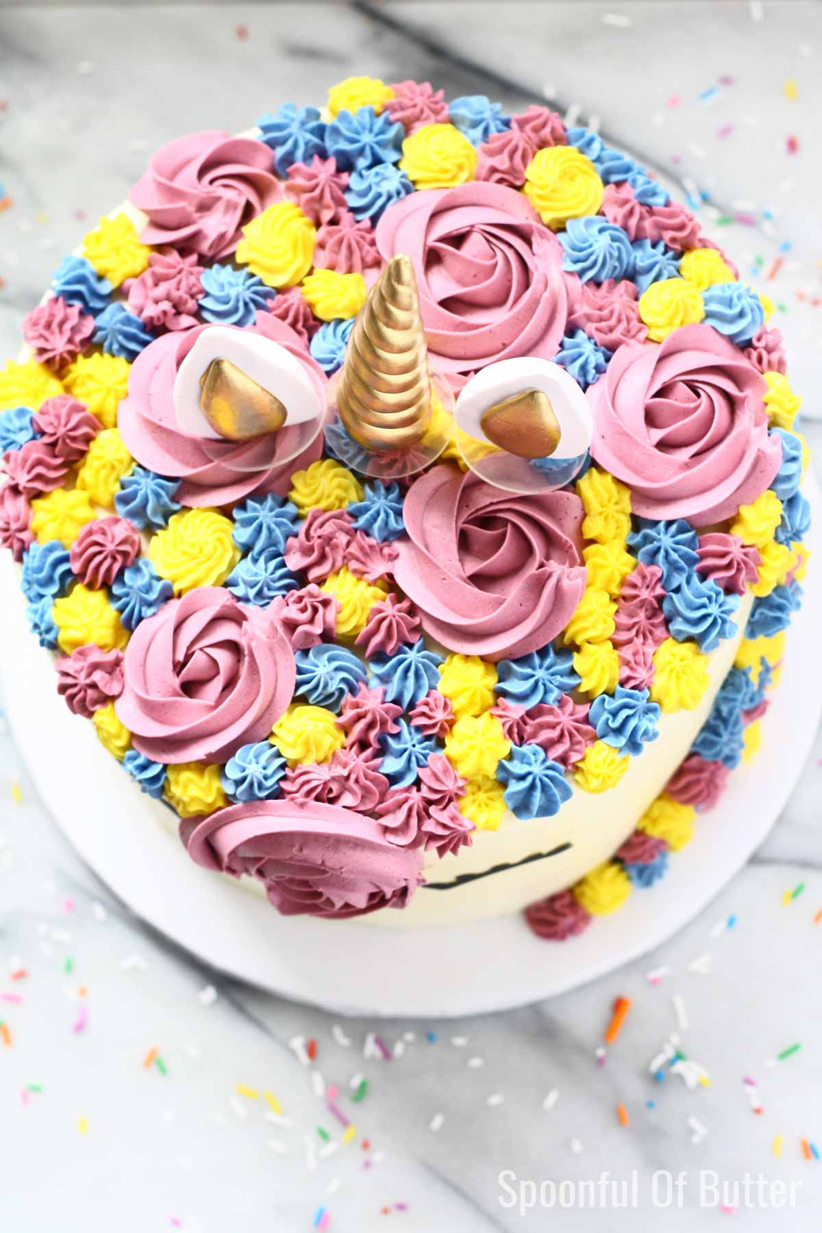 DIY Birthday Unicorn Cake 4 - an easy way to make unicorn birthday cake.