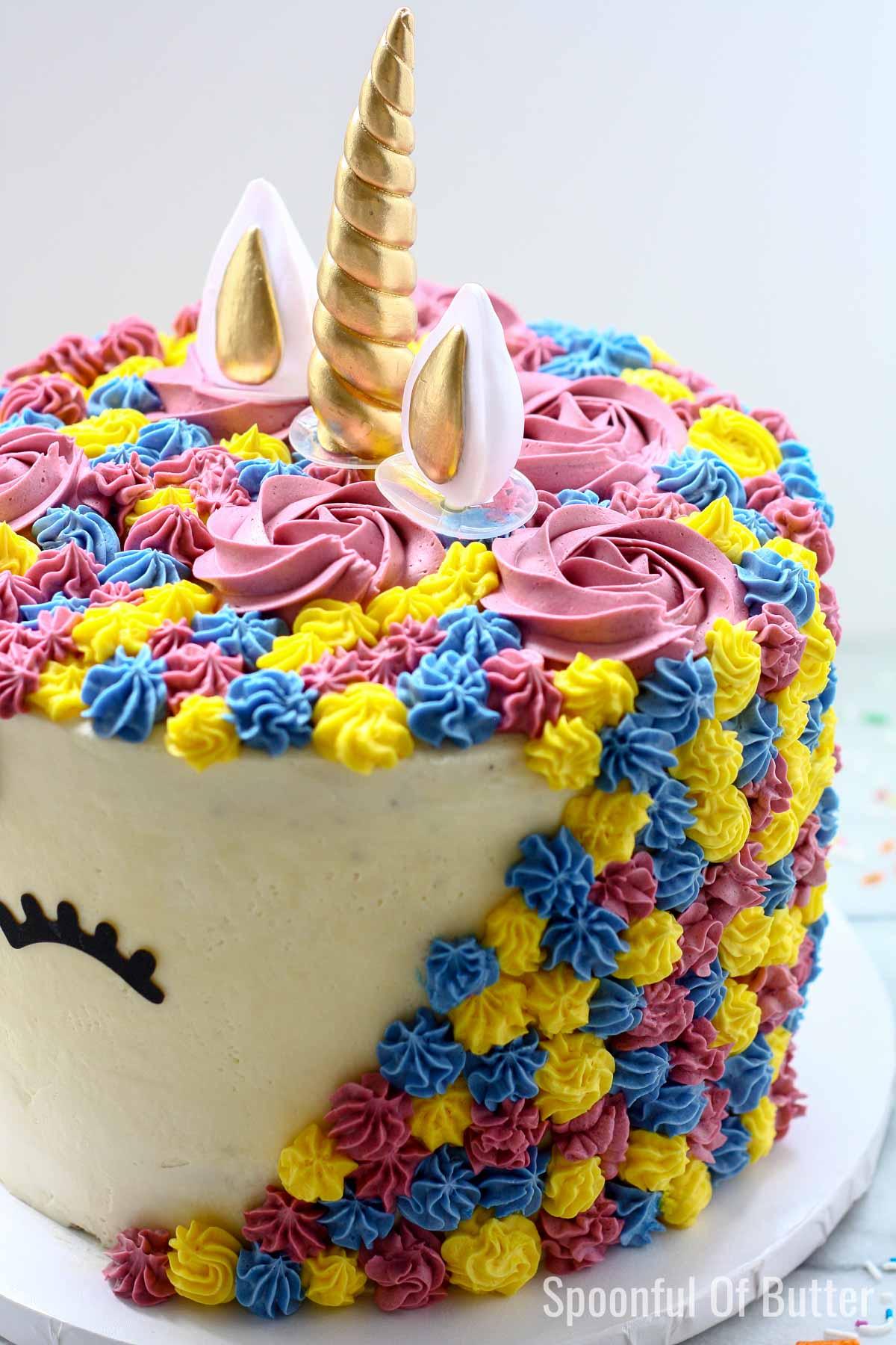 DIY Birthday Unicorn Cake 2 - an easy way to make unicorn birthday cake.