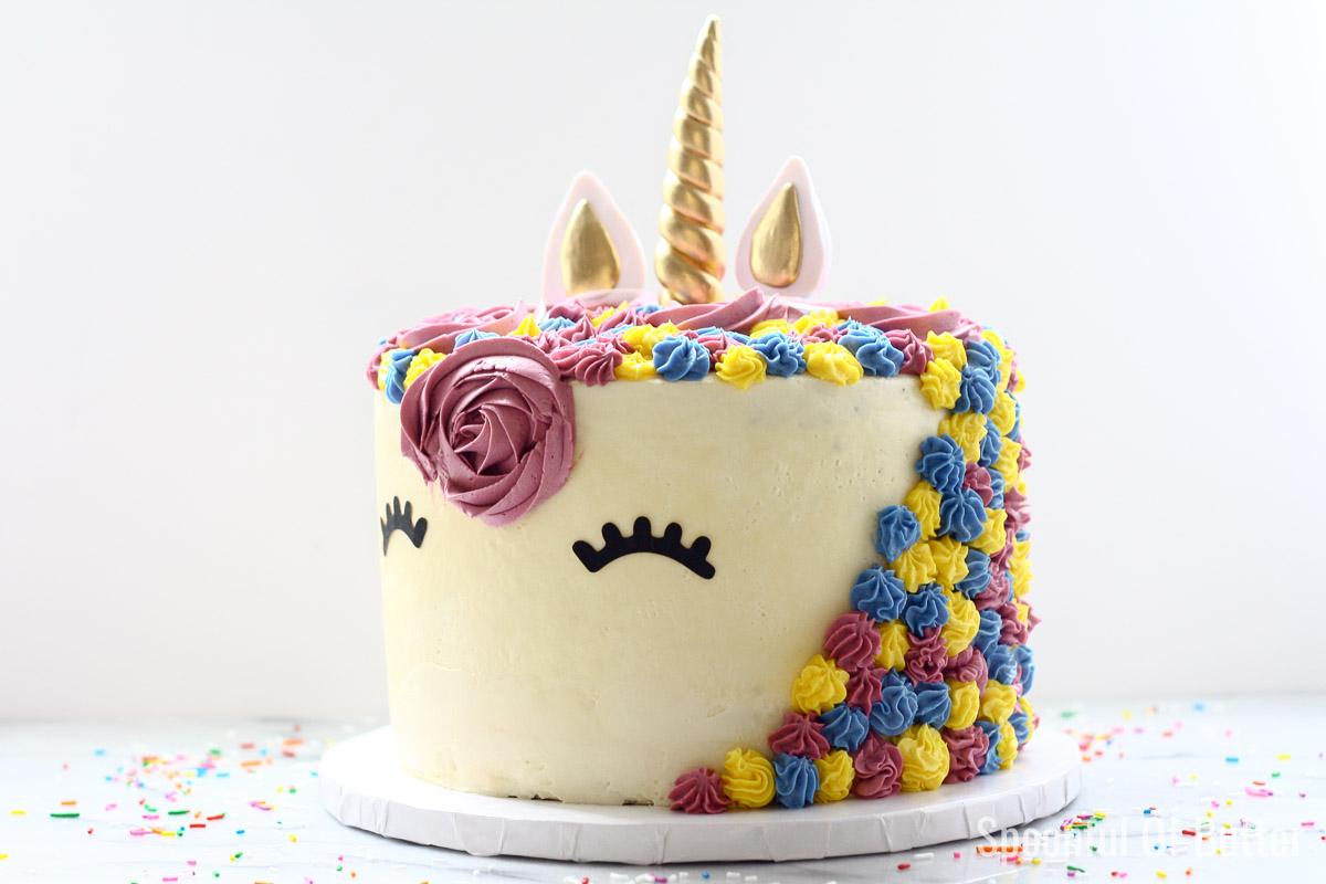 DIY Birthday Unicorn Cake 3 - an easy way to make unicorn birthday cake.
