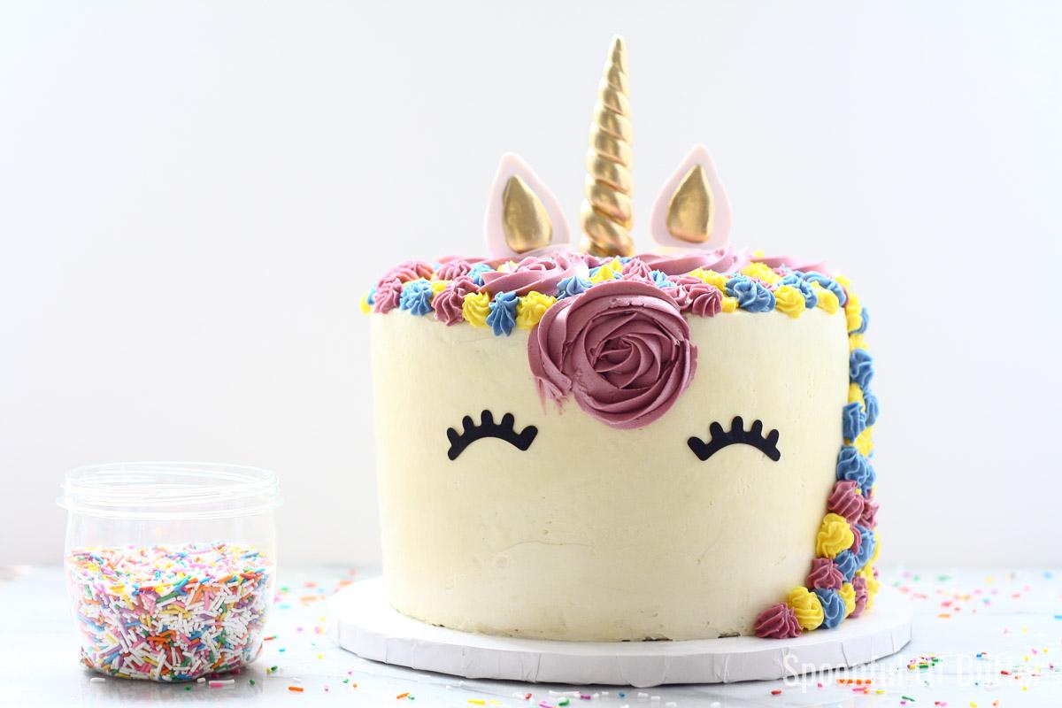 DIY Birthday Unicorn Cake 8 - an easy way to make unicorn birthday cake.